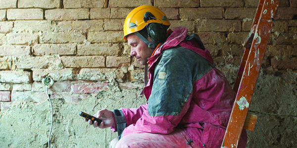 Contractor performing mobile research