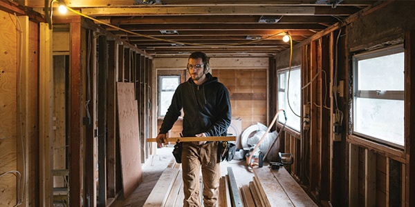 The Construction Industry's Labor Shortage —and What Manufacturers Should Do About It